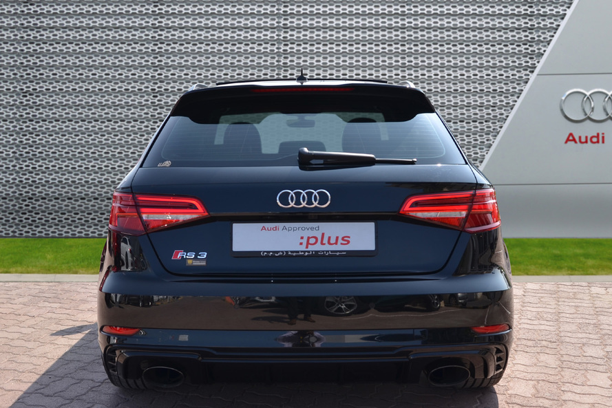 Audi RS3 Sportback quattro 2.5 400hp - 2018