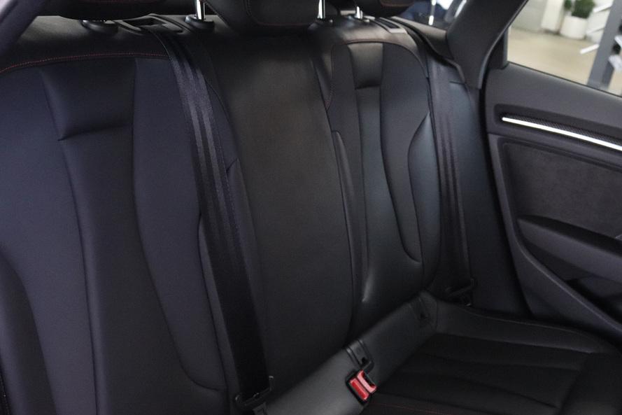 Audi RS3 quattro