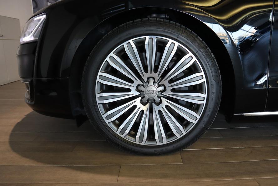 Audi A8L Saloon quattro  6.3 (495hp) - 2017