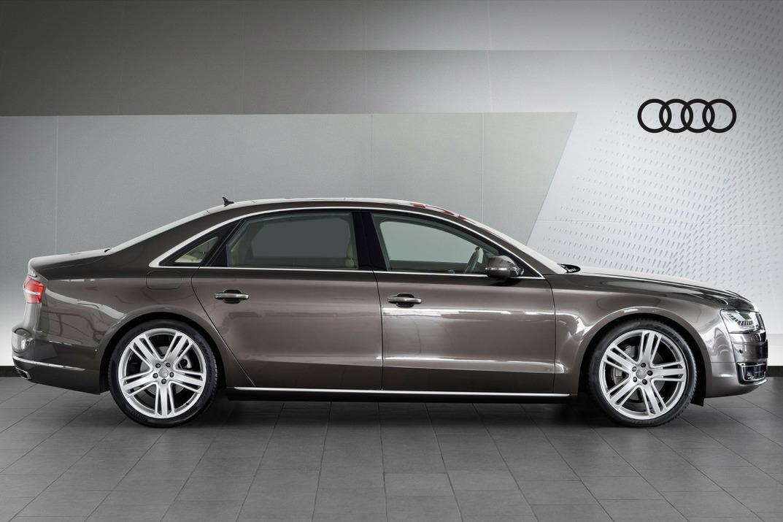Audi A8L - 2015