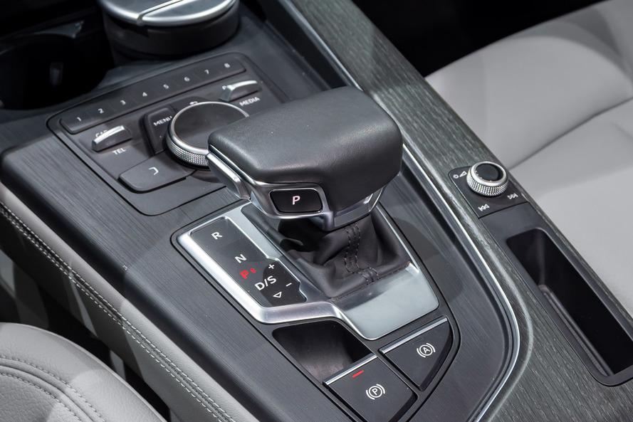 Audi A4 35 TFSI S line - 2019